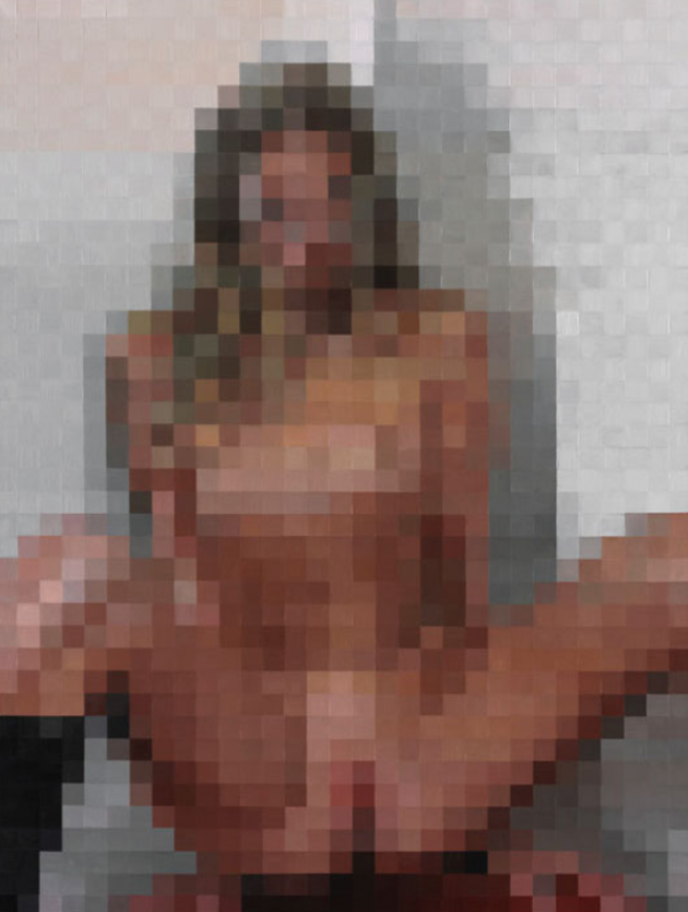 Blurry picturs of nude gils
