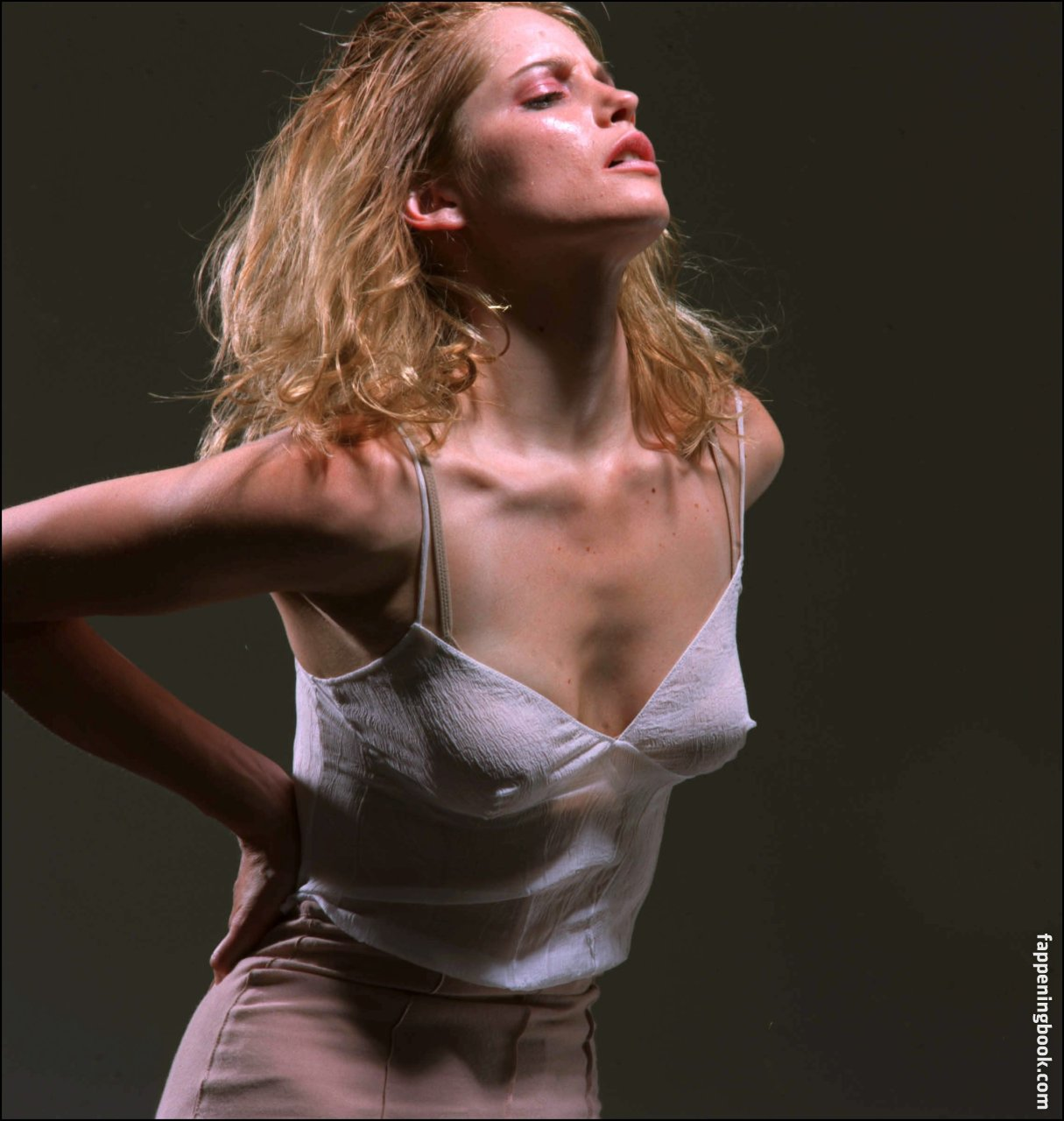Sienna guillory nude photos