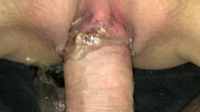 Girl pees while sex porn