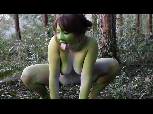 Girl fucked by frogs porn